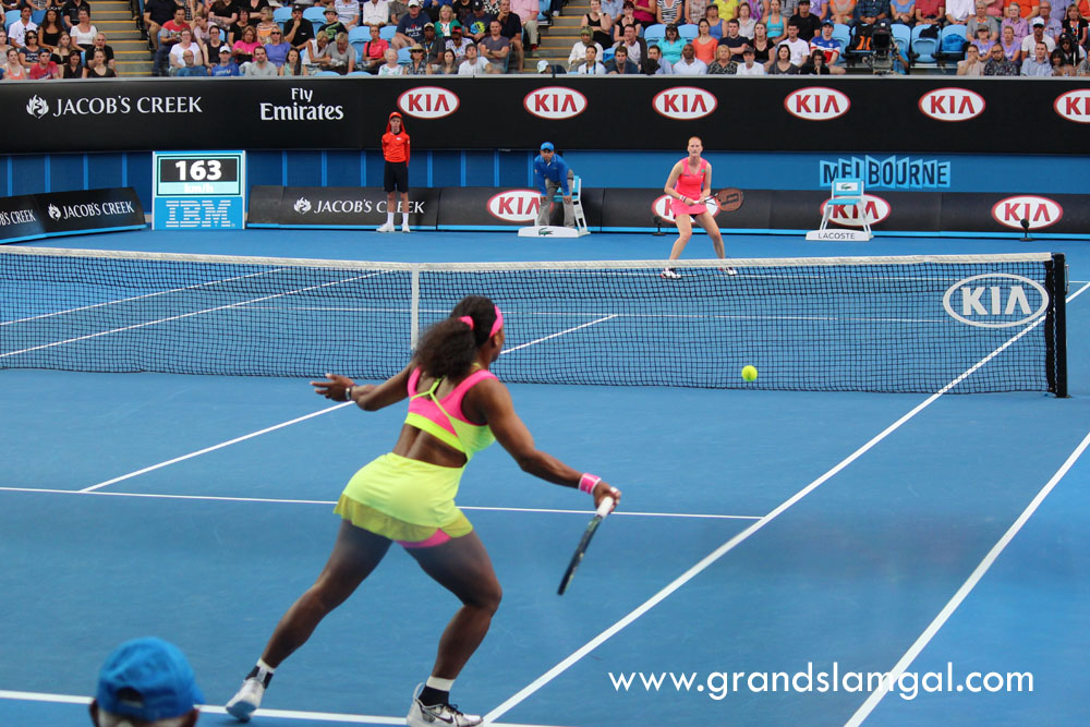 Serena's outfit from the back